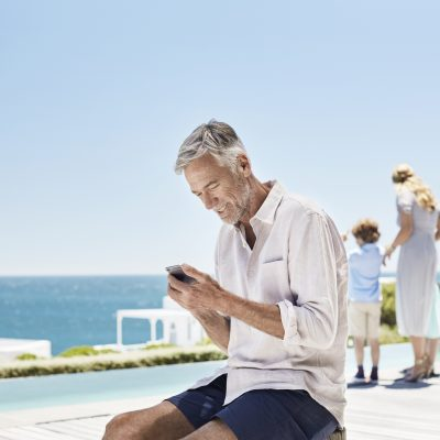 people outdoor happy Legend ocean old man summer family holding iphone6 app apple